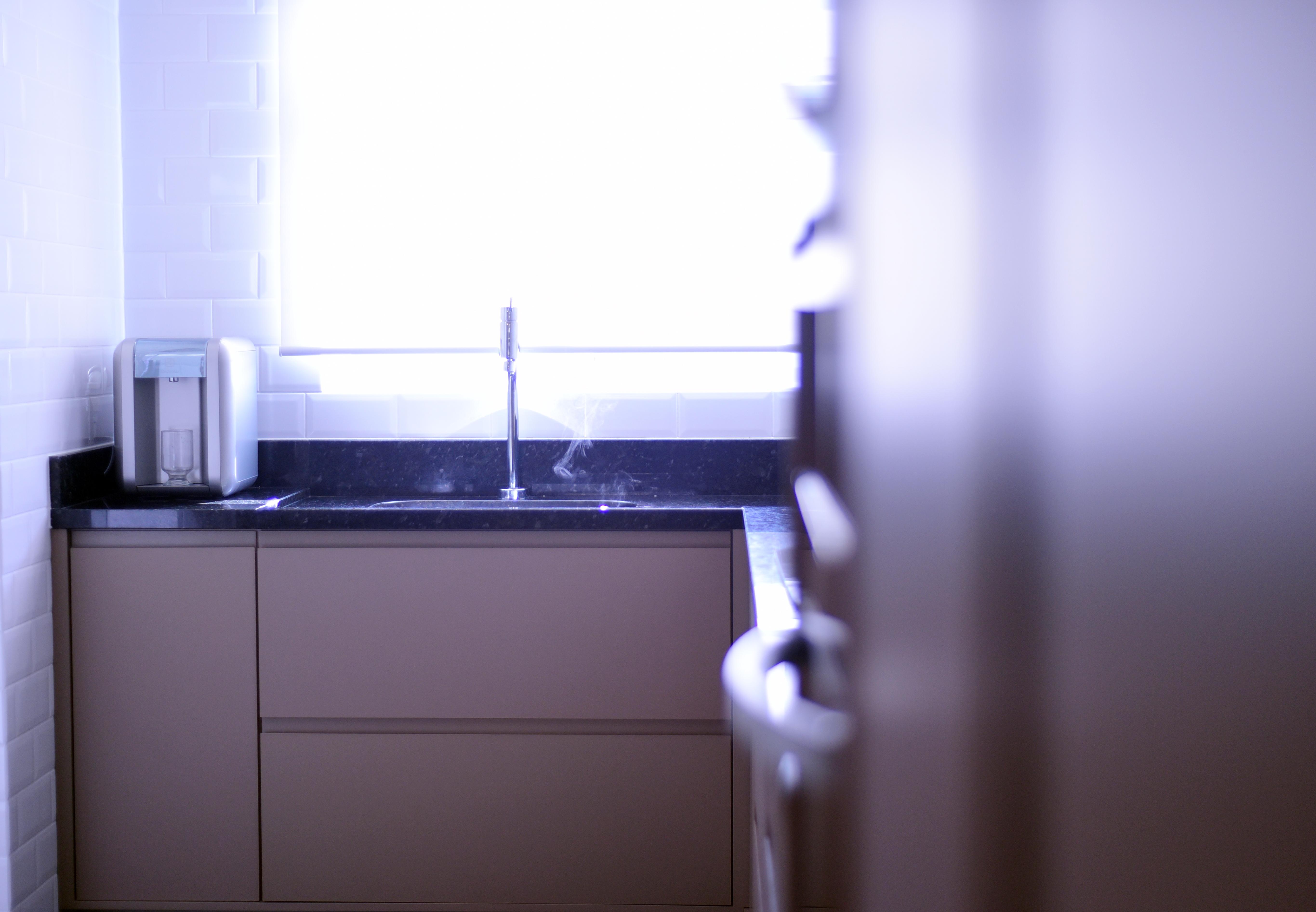 Projeto de design para reforma de apartamento moderno em Curitiba - Estudio Murilo Zadulski Interiores - Projeto cozinha moderna minimalista 01