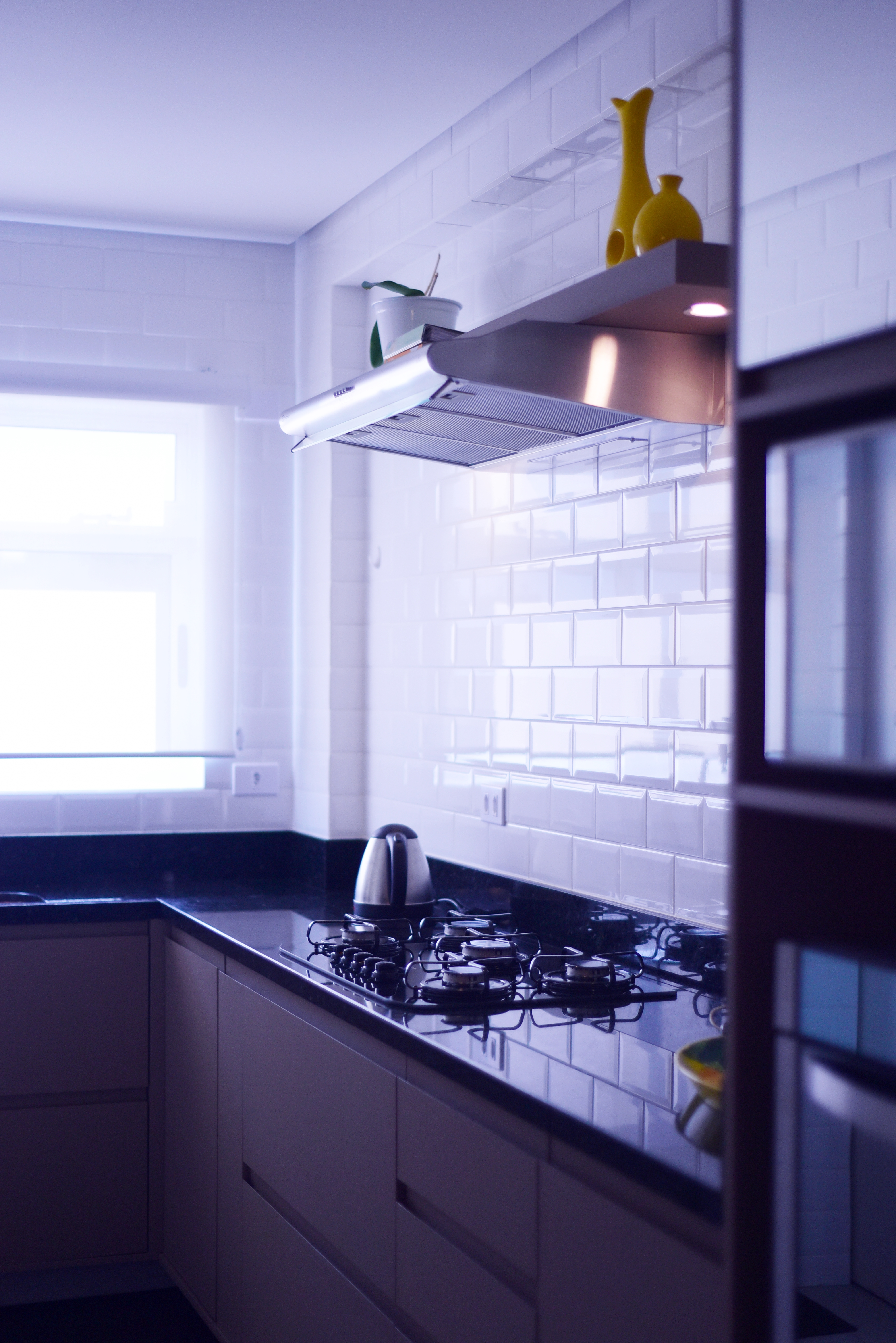 Projeto de design para reforma de apartamento moderno em Curitiba - Estudio Murilo Zadulski Interiores - Projeto cozinha moderna minimalista 02